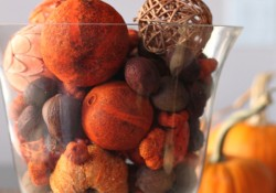 Pumpkin Spice Potpurrin & Hurricane Vase - Harvest Berry Wreath - Decorate Your Home for Fall