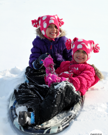 12 Must-Have Items for A Day of Sledding