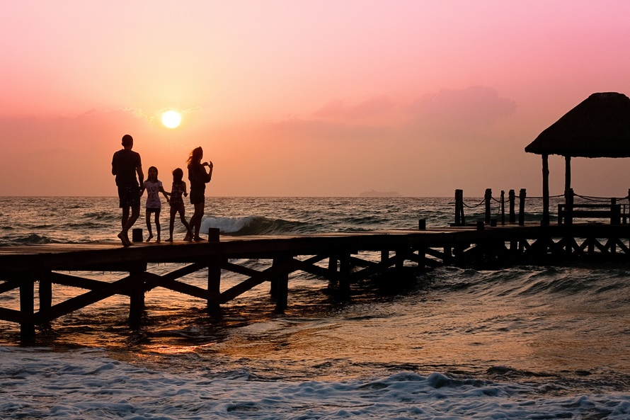 Save on Family Travel