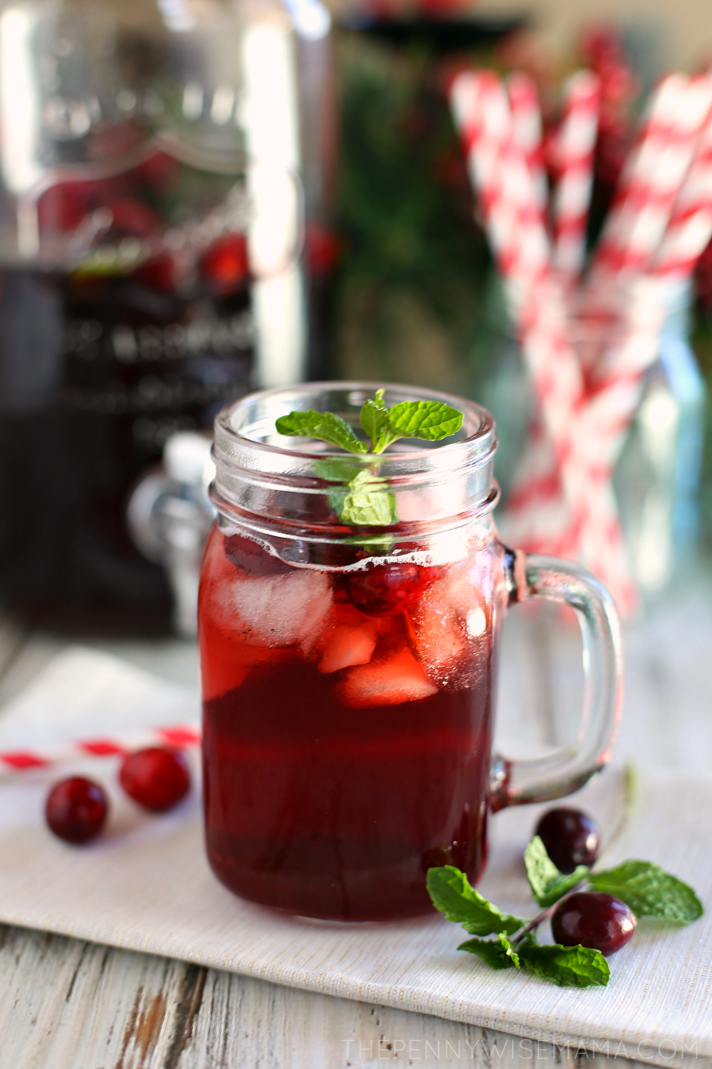 Festive Cranberry Mint Iced Tea - simple & delicious recipe