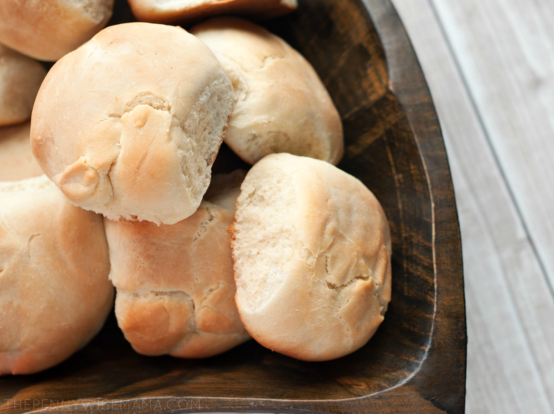 Thick and Fluffy Dinner Rolls - easy homemade recipe!