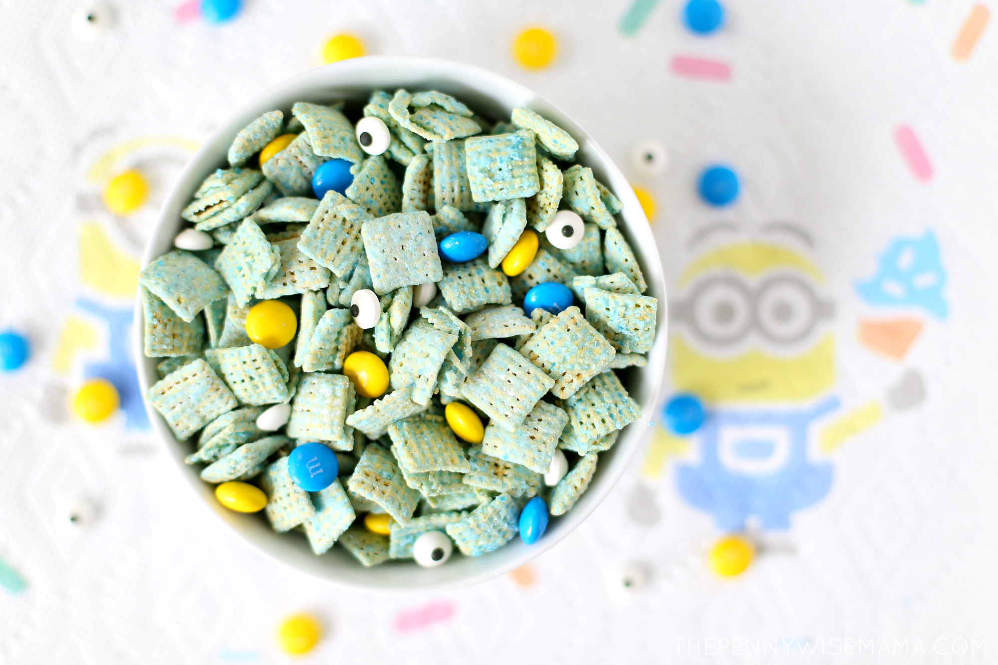 Minions Muddy Buddies Recipe