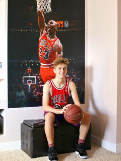 Michael Jordan Fathead - The Ultimate Gift for the Sports Fan