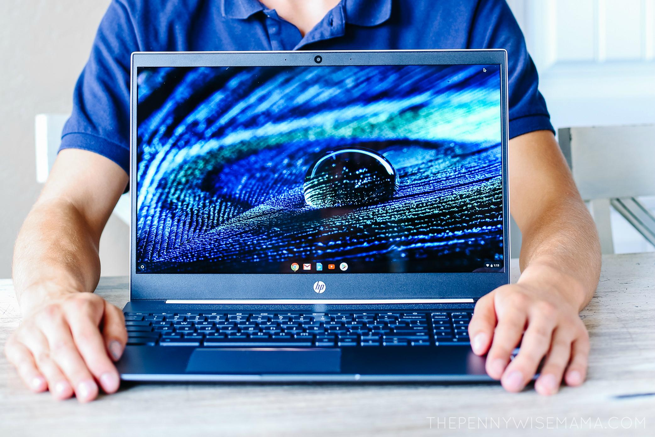 Beautiful HD touchscreen display on HP Chromebook 15